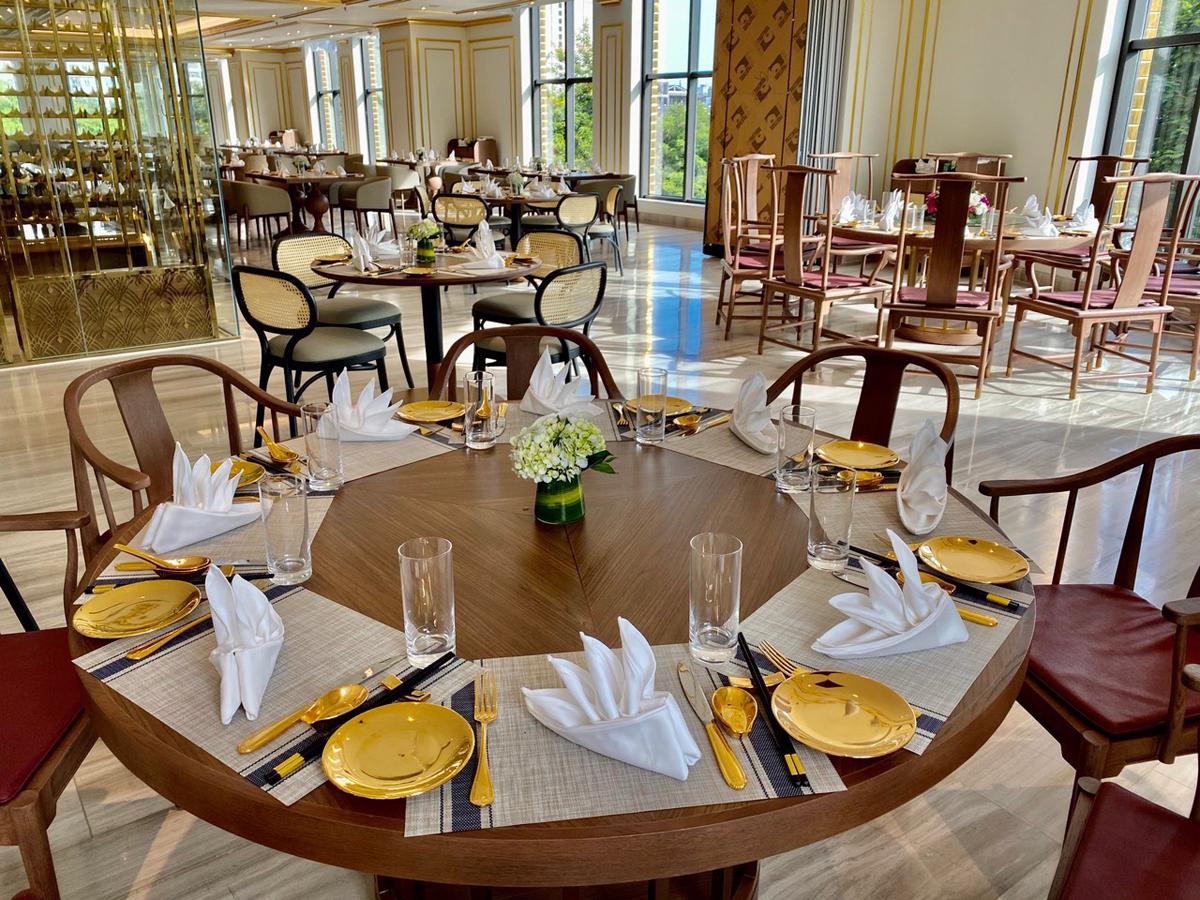 Ưu đãi tham quan, ăn sáng tại khách sạn dát vàng Hà Nội