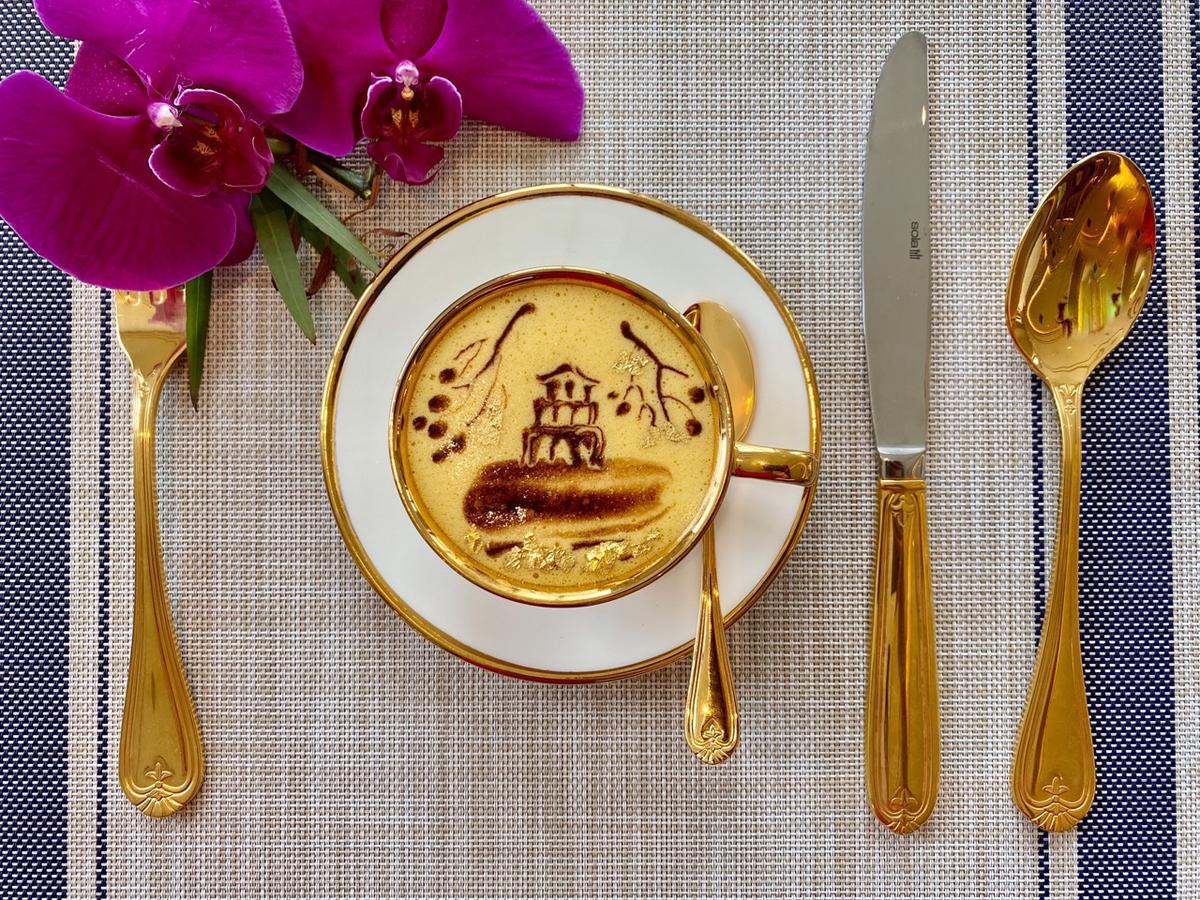 Ưu đãi tham quan, ăn sáng tại khách sạn dát vàng Hà Nội - 4