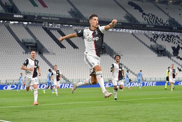 C. Ronaldo có bàn thắng thứ 50 và 51 tại Serie A sau hai mùa giải trong màu áo Juventus. Ảnh: Instagram.