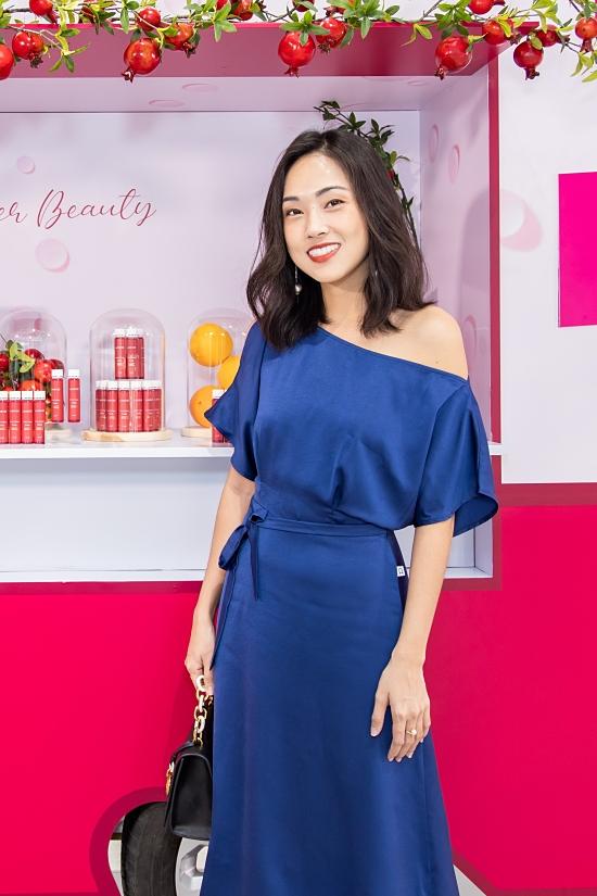 Á hậu Thùy Dung hiếm hoi xách túi hiệu đi event - 8