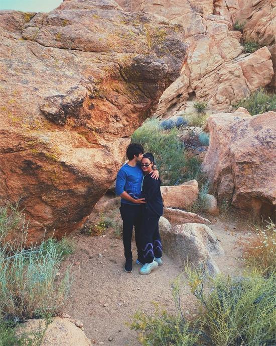 Cặp đôi cùng nhau đến sa mạc ở California cuối tuần qua.