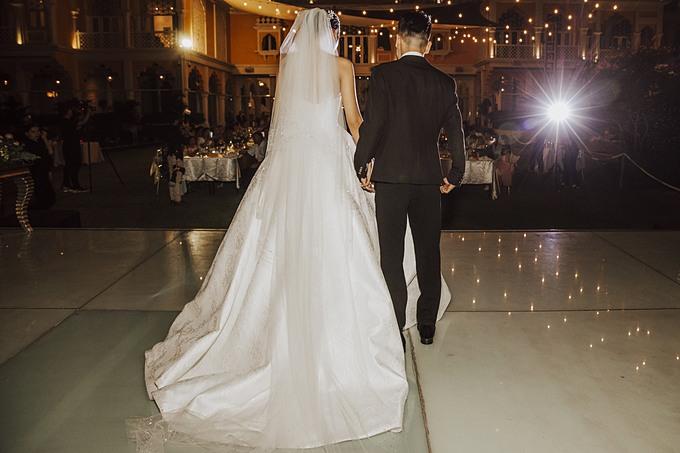 Chiếc váy cưới có giá thuê 45 triệu đồng và giá mua 70 triệu đồng. Các cô nàng yêu phong cách này có thể tham khảo.