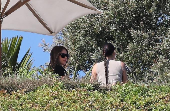 Ngôi sao truyền hình thực tế 39 tuổi gác lại nỗi buồn riêng để quay phim cùng các thành viên trong gia đình Kardashian.