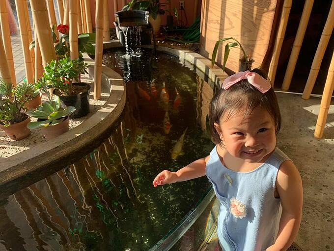 Cô bé được ví là bản sao của Thanh Thảo vì càng lớn càng giống mẹ.