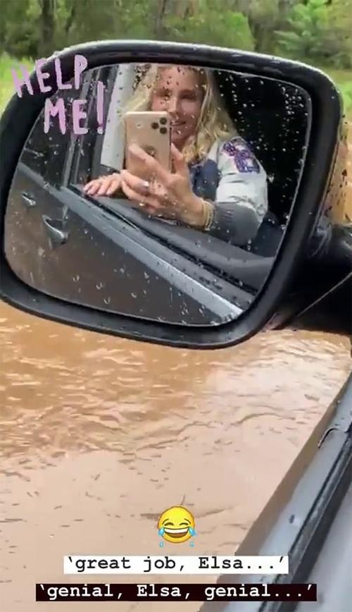 Elsa Pataky gặp dòng nước lũ.