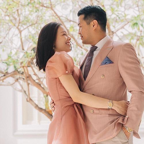 Phillip Nguyễn đăng ảnh tình cảm chụp cùng Linh Rin một năm trước nhân ngày kỷ niệm một năm yêu.