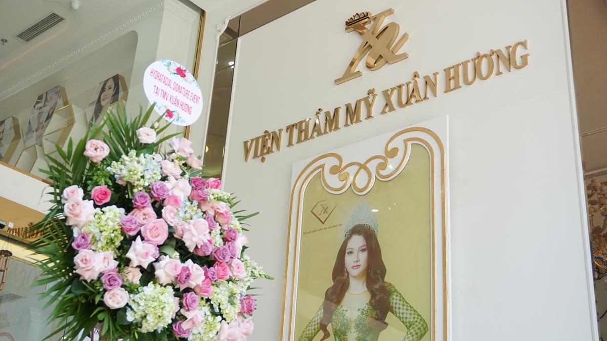 Ngày 17 và 18/7, chương trình được tổ chức tại Viện thẩm mỹ Xuân Hương, Hà Nội. Tham gia sự kiện, mọi người có cơ hội tìm hiểu về công nghệ làm đẹp đến từ Mỹ và nhận những suất trị liệu miễn phí với HydraFacial.