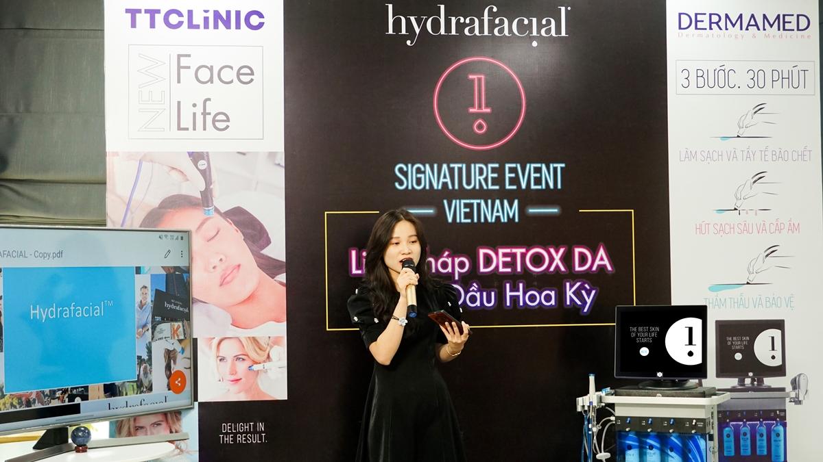 Điểm đến tiếp theo là TTClinic, ngày 19/7. Trong talkshow, chuyên gia giải đáp mọi thắc mắc của chị em về HydraFacial.