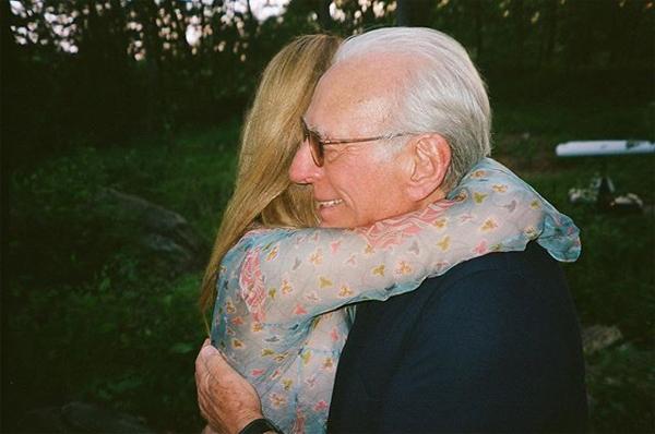 Brooklyn và vợ sắp cưới hé lộ ảnh độc - 6