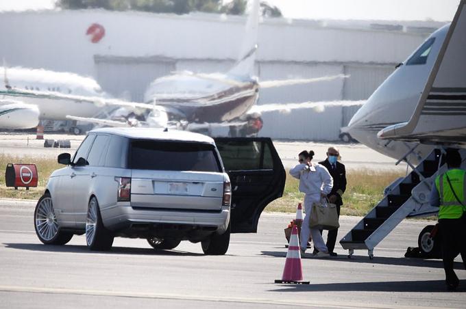 Kim Kardashian trở về Los Angeles sau khi đi gặp chồng ở Wyoming.