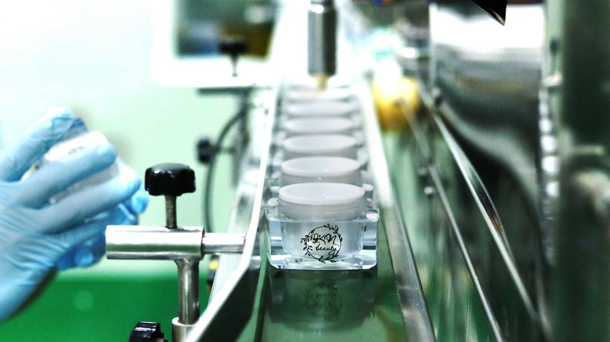 Dây chuyền vận hành sản xuất tại nhà máy của KN Beauty.