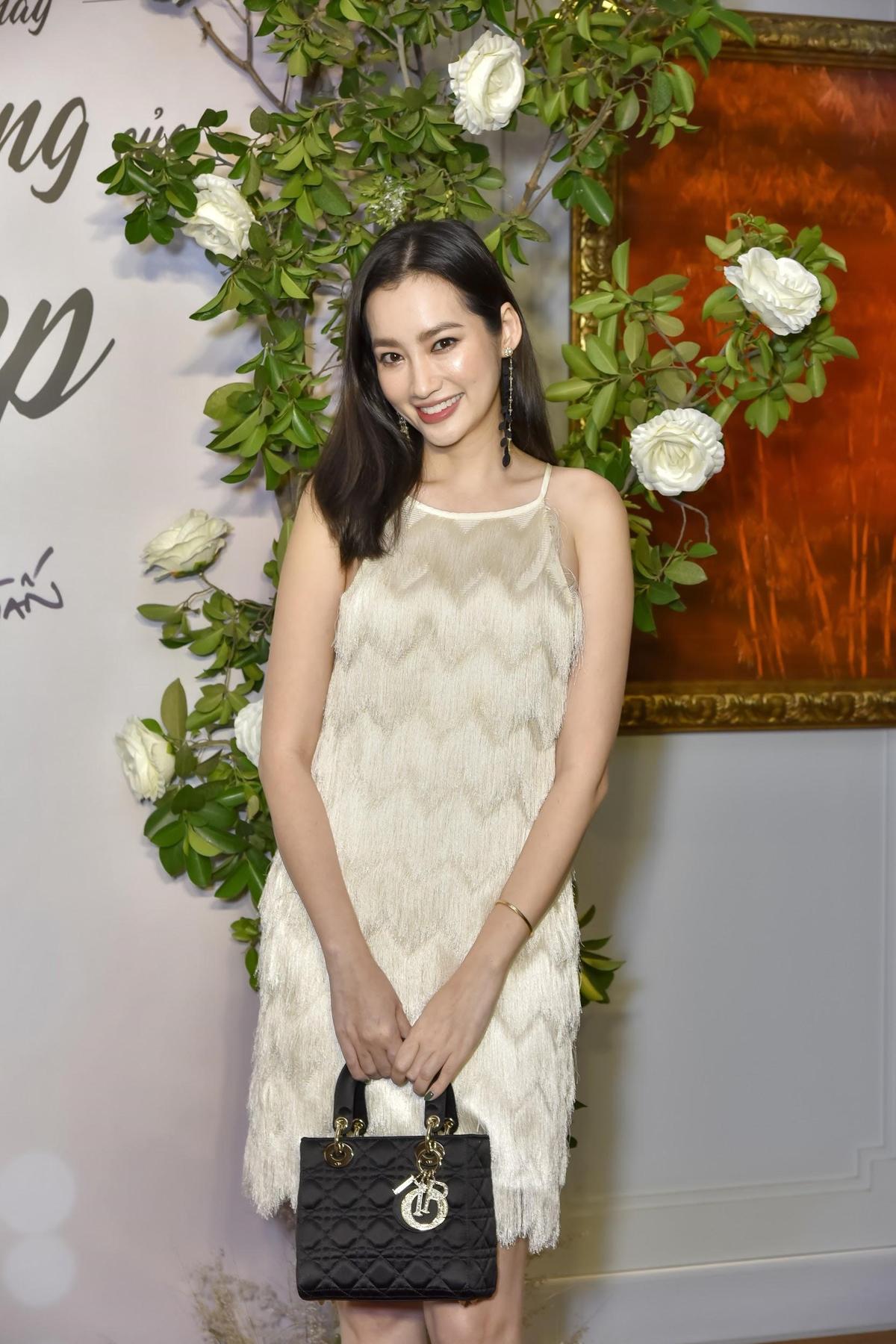 Hoa hậu Trương Tri Trúc Diễm tiết lộ biết tới Menard qua đạo diễn Long Kan và càng ngưỡng mộ những đóng góp của thương hiệu trong làm đẹp.