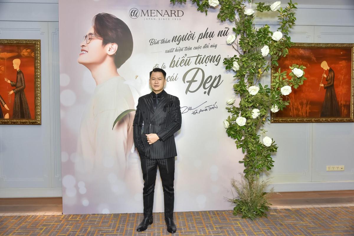Gặp gỡ Menard tại show Fashion Voyage, tôi đã bị thu hút trước một thương hiệu tận tụy cống hiến cho vẻ đẹp cuộc sống. Chúc Menard luôn phát triển, tiếp tục cùng những tâm hồn đồng điệu lan tỏa và tôn vinh vẻ đẹp đích thực, nhà thiết kế Hoàng Minh Hà chia sẻ tại sự kiện.