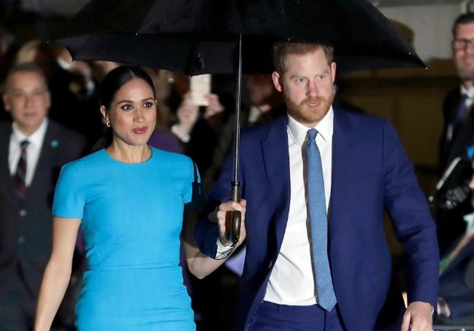 Harry che ô cho vợ khi cặp vợ chồng dự sự kiện quỹ Endeavour Fund Awards