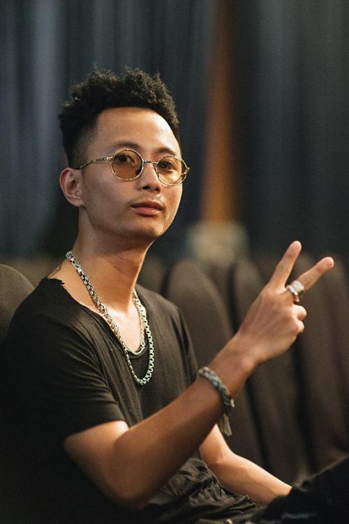 Rhymastic là người sáng tác bài hát. Anh cùng với Hoàng Touliver là những người đứng sau tạo nên những tác phẩm thành công cho Tóc Tiên.