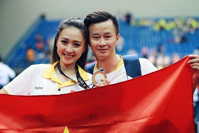 Vợ chồng HLV Trương Minh Sang sát cánh bên nhau tại kỳ SEA Games 29 ở Malaysia. Thể dục dụng cụ Việt Nam gặt hái được rất nhiều thành công trong những năm gần đây (5 HC vàng SEA Games 29, 3 HC SEA Games 30), trong đó có đóng góp không nhỏ của HLV Minh Sang.