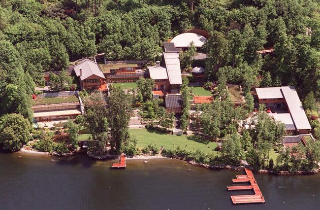 Biệt thự nhà Bill Gates ở Seattle, bang Washington, nơi gia đình tỷ phú lánh dịch. Ảnh: BI.