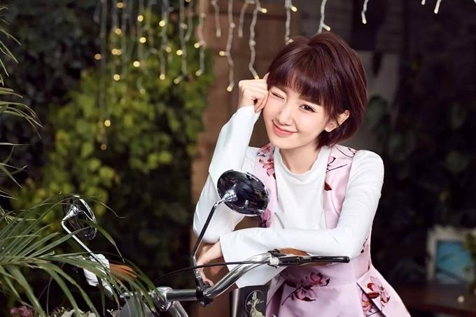 Trước 30 chưa phải là hết, Mao Hiểu Đồng góp mặt trong nhiều dự án lớn như Chân Hoàn truyện, Thiên long bát bộ bản 2013, Thần điêu đại hiệp bản 2014, Cẩm tú vị ương, Yêu em từ cái nhìn đầu tiên (ảnh)... Chủ yếu đóng vai phụ nhưng cô đi lên từng bước bằng thực lực.