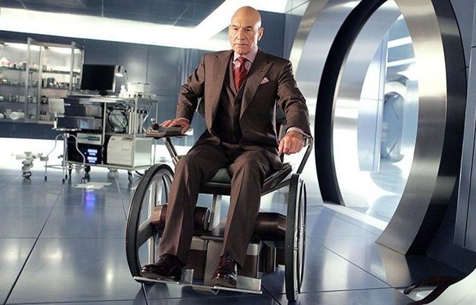 Patrick Stewart đóng vai Giáo sư X khi về già.