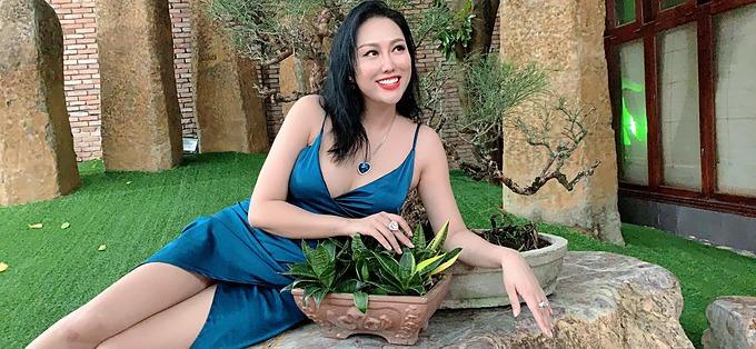 Phi Thanh Vân tiết lộ những ngày qua bận lao vào công việc và các mối quan hệ xã hội quan trọng, mà quên mất đăng hình lưu lại kỷ niệm và những nhân duyên đẹp.