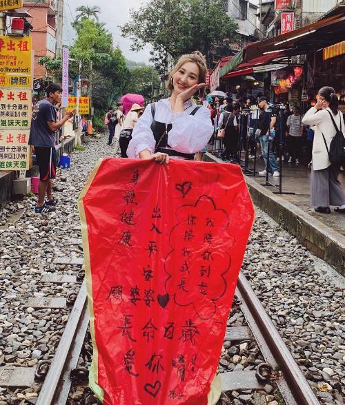 Bà cả 30 chưa phải là hết mê du lịch cùng hội bạn TVB - 18