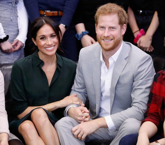Meghan và Harry đi thăm xứ Sussex sau khi kết hôn hồi năm 2018. Ảnh: PA.