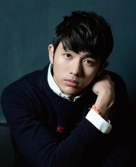 Nam ca sĩ Lim Seul Ong.
