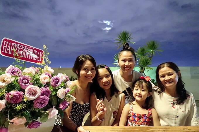 Diễn viên Thanh Hiền đón sinh nhật tuổi 31 ấm cúng bên con gái và gia đình tại nhà riêng.