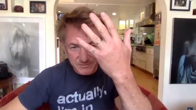 Sean Penn khoe tin vui kết hôn.