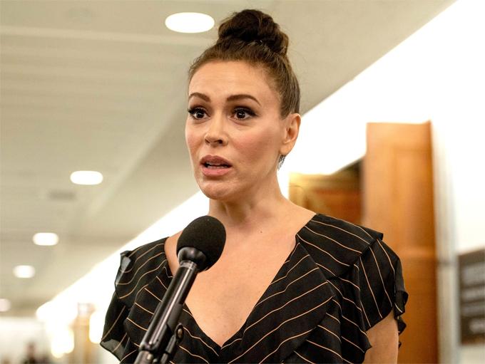Nữ diễn viên đã xét nghiệm máu hai lần hồi tháng 3 cho kết quả âm tính Covid-19. Tuy nhiên kết quả xét nghiệm gần đây cho thấy cô đã thực sự nhiễm bệnh.