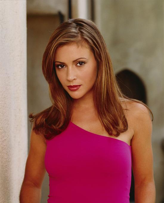 Alyssa Milano thời đóng phim Phép thuật, vai cô phù thủy Phoebe có khả năng dự đoán tương lai.