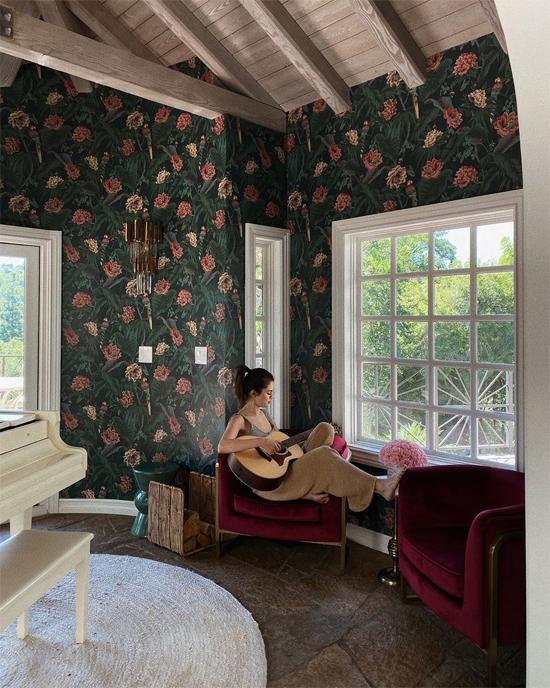 Selena chia sẻ một căn phòng trong biệt thự mới 5 triệu USD.
