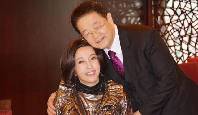 Lưu Hiểu Khánh và chồng đại gia.