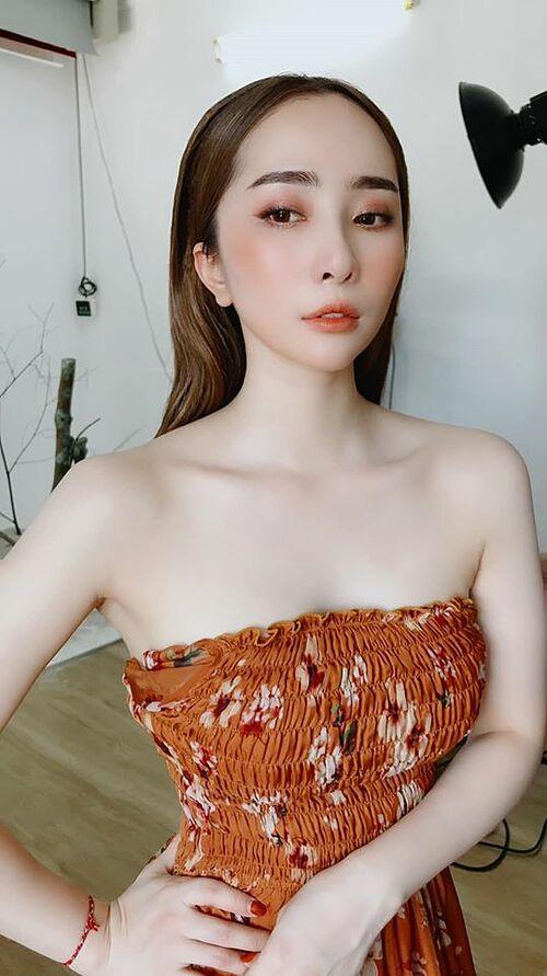Nếu bạn muốn làm nữ hoàng thì không ai có thể ngăn nổi. Phụ nữ ấy mà... địa vị ra sao là ở mình cả thôi, diễn viên Quỳnh Nga quan niệm.