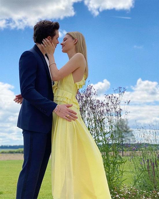 Brooklyn và vợ sắp cưới thông báo đính hôn đầu tháng 7. Ảnh: Instagram.