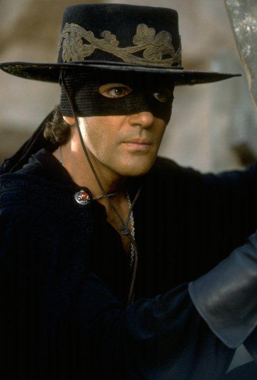 Antonio thời đóng Mặt nạ Zorro.
