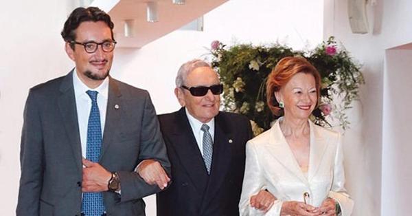 Giovanni Ferrero cùng cha Michele Ferrero và mẹ Maria Franca vào năm 2014. Ảnh: Successstory.