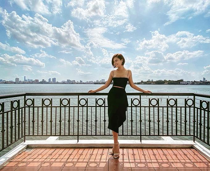 Diễn viên Thu Quỳnh tận hưởng ngày nghỉ yên bình, nên thơ ngay giữa Hà Nội ồn ào, náo nhiệt.