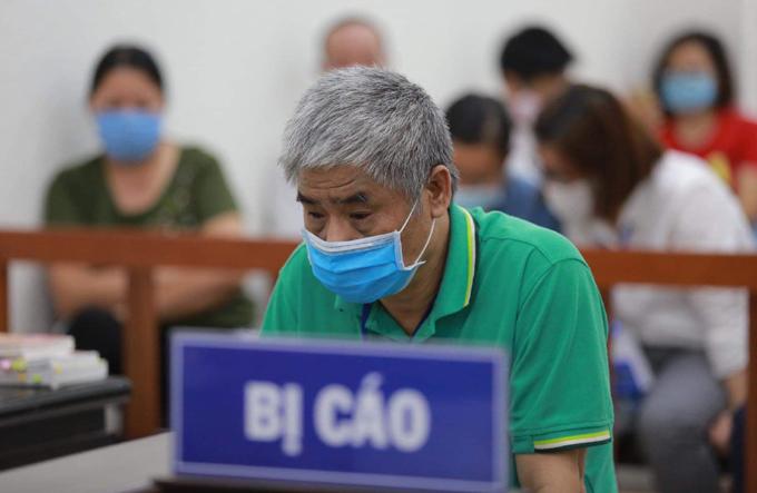 Bị cáo Doãn Quý Phiến và bị cáo Nguyễn Thị Thủy được đề nghị án treo. Ảnh: Nguyễn Ngoan.
