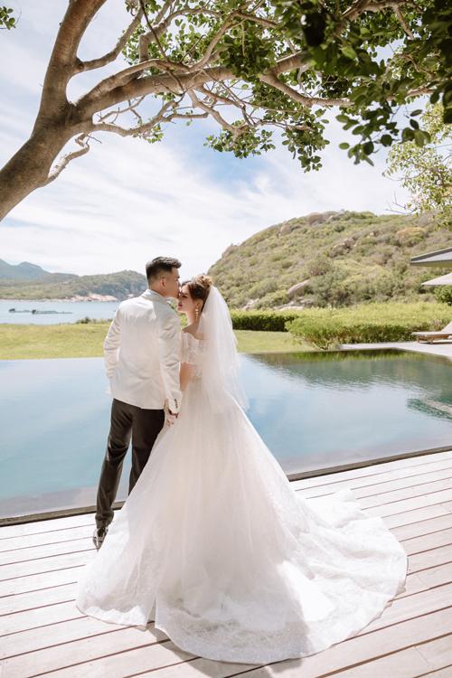 Non nước, trời mây tại Ninh Thuận là bối cảnh tuyệt vời cho tấm ảnh cưới của uyên ương.