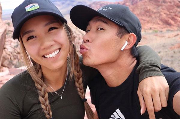 Tay golf gốc Á và bạn gái vừa kỷ niệm ba năm yêu nhau. Ảnh: Instagram.