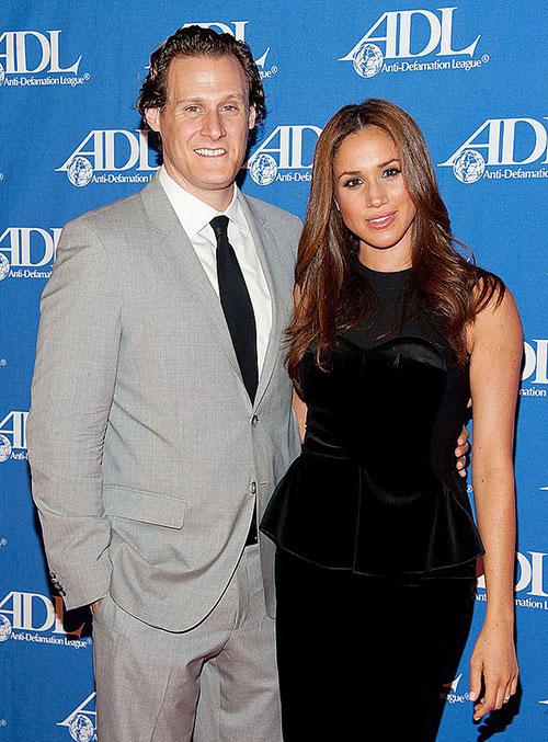 Meghan và chồng cũ Trevor trong một lần dự sự kiện tại Mỹ năm 2011. Ảnh: NBCU.