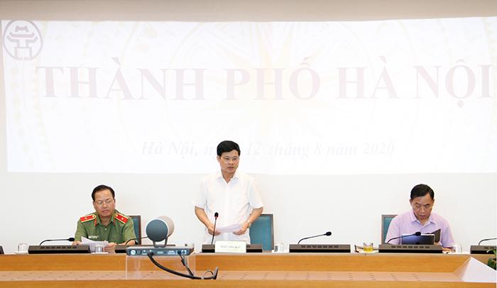 Phó Chủ tịch UBND TP Ngô Văn Quý phát biểu tại cuộc họp.
