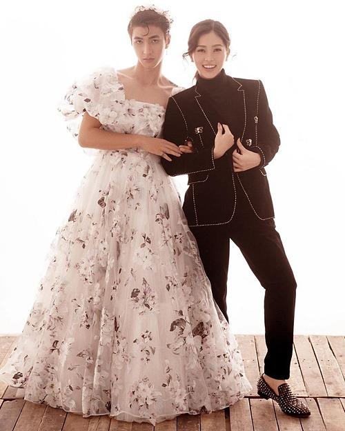 Á hậu Phương Nga phì cười khi xem lại ảnh Bình An hóa thân làm cô dâu.