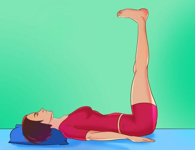 6 động tác thể dục buổi sáng có thể tập ngay trên giường