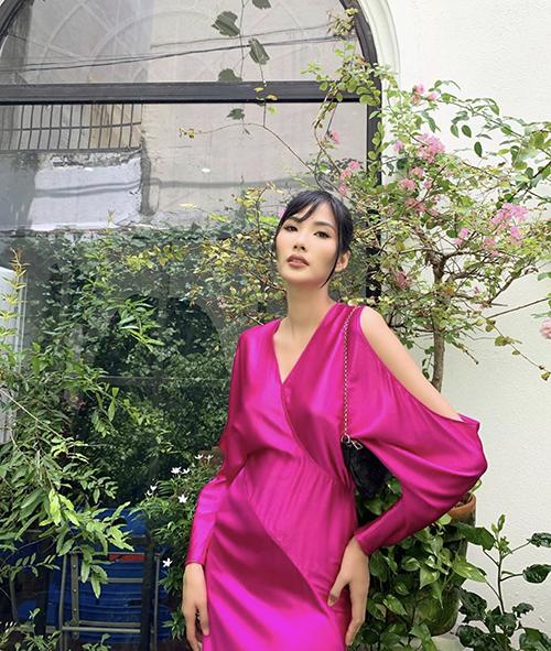 Mai Phương Thuý đụng váy hai á hậu - 12
