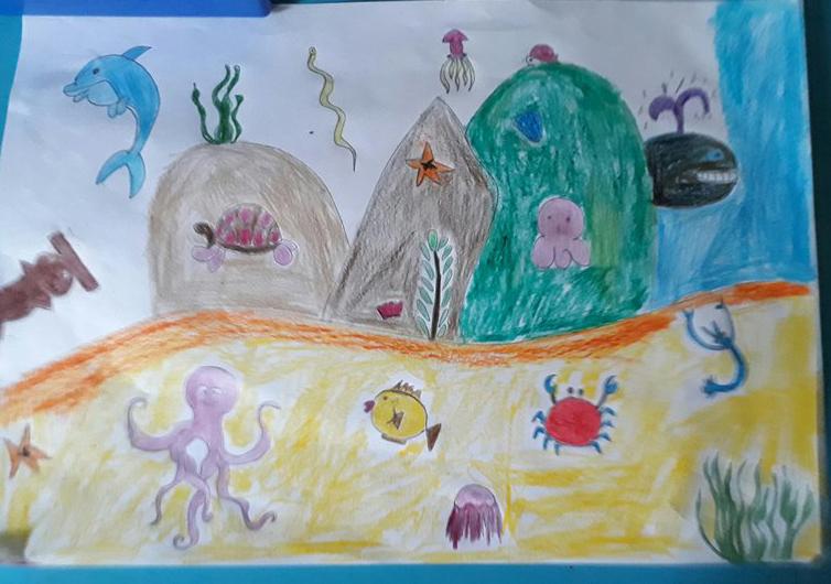 Bé Anh Tài (8 tuổi) chia sẻ ước mơ được học vẽ và gửi bức tranh vẽ về đại dương xanh tham gia cuộc thi.