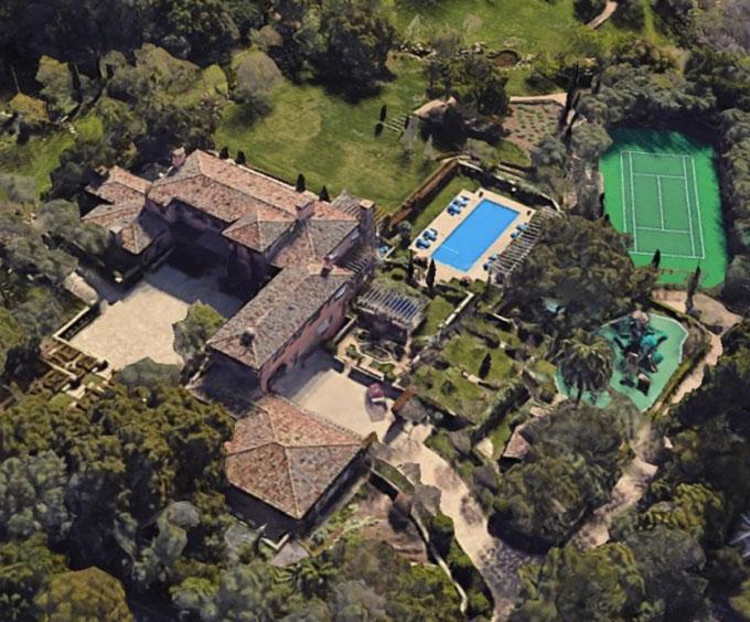 Biệt thự 9 phòng ngủ mới tậu của vợ chồng Harry, Meghan ở Santa Barbara, California, Mỹ. Ảnh: Google Earth.