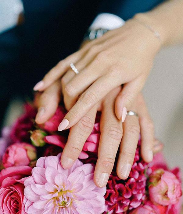 Hôn lễ của thủ thành 28 tuổi diễn ra tại Dusseldorf, quê nhà của cô dâu.