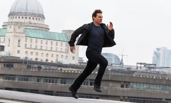 Tom Cruise chạy liên tục trên màn ảnh.